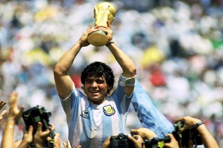 الأهلي ينعى أسطورة الأرجنتين مارادونا
